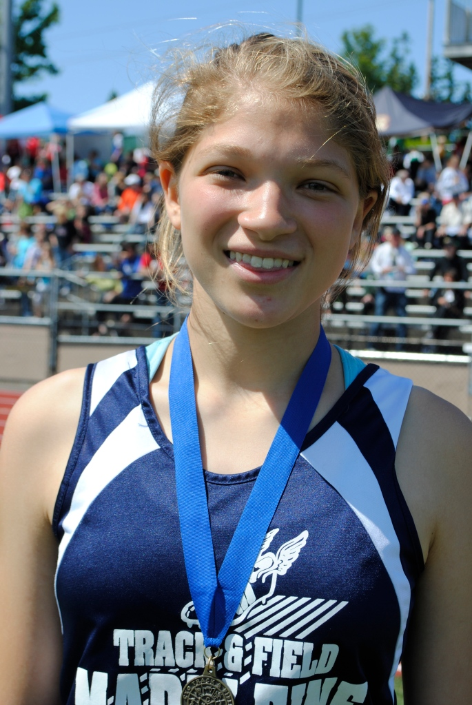 Shot PUt Cadet Girls Nina Radford
