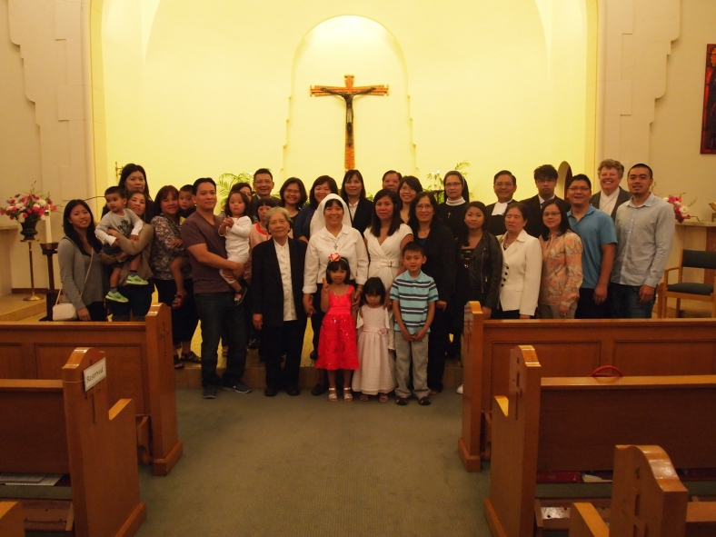Family Photo of the Nguyen family